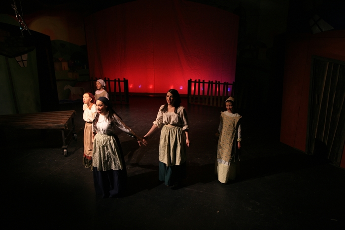 Hannah Cinel, Emily Sunderland, Crystal May, Natalie Manz and Natalie Mack in Fiddler on the Roof