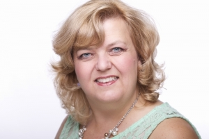 Jill Howell-Fellows's Headshot from 9 to 5 The Musical