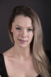 Devon Bauer's Headshot from City of Angels