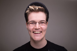 Ashley Verhappen's Headshot from South Pacific