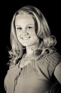 Ainsley Ohler's Headshot from Legally Blonde