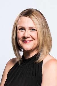 Headshot for Lindsay Kurtze